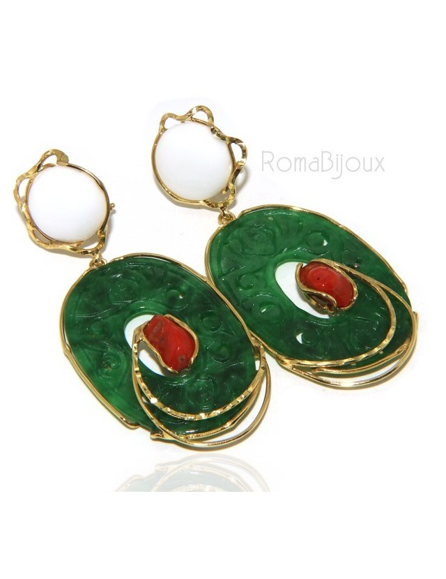 Woman's earrings in 925 sterling silver gold with a carved jade disc, white agate and coral