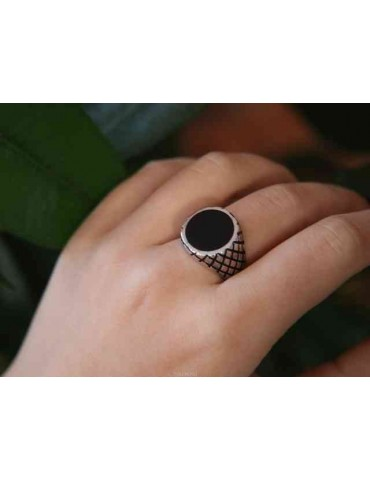 Ring man chevalier shield round black 925 silver rhombuses