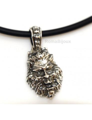 Ciondolo Argento 925 : per uomo. Leone brunito medio con cornice e laccio realizzato a mano